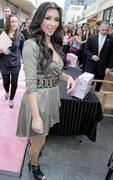Kim Kardashian, Cleavy, ShoeDazzle at Century City Shopping Mall, 29gennaio2010 Th_15370_k3_122_657lo