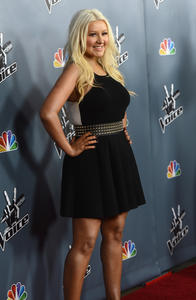 [Fotos+Videos] Christina Aguilera en la Premier de la 4ta Temporada de The Voice 2013 - Página 4 Th_985776487_Christina_Aguilera_15_122_222lo