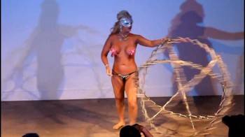 Naked  Performance Art - Full Original Collections - Page 3 G3bkmr8vf0j5