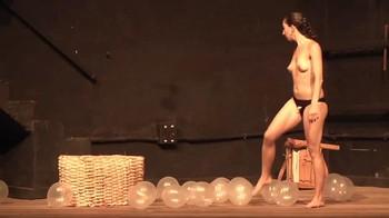 Celebrity Content - Naked On Stage - Page 3 Qgl8k4tm521i