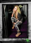 Abbey Dawn: (Linea de ropa de Avril) Th_341986253_06588_122_158lo