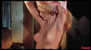Jaime Lyn Bauer, Jennifer Ashley and etc in The Centerfold Girls (1974... J7rdkxd08yp3