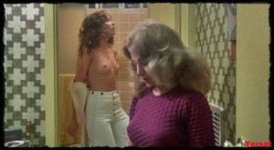 Jaime Lyn Bauer, Jennifer Ashley and etc in The Centerfold Girls (1974... Xpx7k4h0rdsv