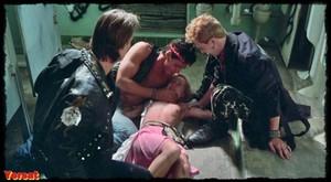Linda Blair , Rebecca Perle ,Suzee Slater , otherin  Savage Streets  (... 6ljlvvcbf8mu