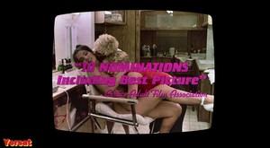 Melanie Griffith, Barbara Crampton in Body Double (1984) Le8fgio1dklq