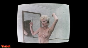 Melanie Griffith, Barbara Crampton in Body Double (1984) Ui3n35r83glw