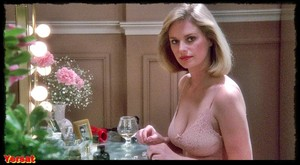 Helen Shaver, Ann Dusenberryin The Men's Club (1986) 5toovo7a04zw