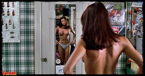 Shannon Elizabeth in American Pie (1999) 3htlj99mx7ph
