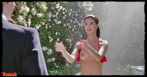 Jennifer Jason Leigh , Phoebe Cates in Fast Times at Ridgemont High (1... Vmlauorvvjn6