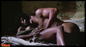 Pam Grier, Brenda Sykes, Fiona Lewis in Drum (1976) P1wa5mgb0z9o