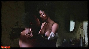 Pam Grier, Brenda Sykes, Fiona Lewis in Drum (1976) Wbe48hxmude0