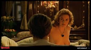 Kate Winslet in Titanic (1997) Ze96698odhmc