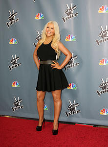 [Fotos+Videos] Christina Aguilera en la Premier de la 4ta Temporada de The Voice 2013 - Página 4 Th_398603810_Christina_Aguilera_64_122_1144lo