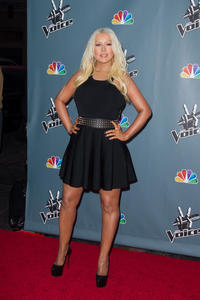 [Fotos+Videos] Christina Aguilera en la Premier de la 4ta Temporada de The Voice 2013 - Página 4 Th_986065218_Christina_Aguilera_68_122_1103lo