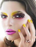 Zanimljivi make up - make up artist Th_22868_19_11_2009_0439249001258630869_soon-tong_123_101lo