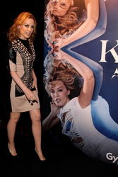 Kylie Minogue >> Noticias y rumores - Página 3 Th_744701856_cf746f27_115279134_8p_122_1195lo