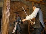 Diorama POTC : Combat Sparrow/Turner dans l'armurerie Th_13867_4_123_463lo