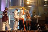 [Fotos] Christina - MTV Video Music Awards 2002. Th_85120_mtvvma_presenting_1096084226_123_587lo