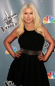 [Fotos+Videos] Christina Aguilera en la Premier de la 4ta Temporada de The Voice 2013 - Página 4 Th_985867910_Christina_Aguilera_32_122_41lo