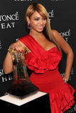 Beyonce, 'Heat' Fragrance Launch Party,  New York, 02febbraio2010 Th_05487_beyonce-heat-launch-party-7_122_480lo