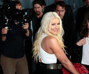 [Fotos+Videos] Christina Aguilera en la Premier de la 4ta Temporada de The Voice 2013 - Página 4 Th_986075501_Christina_Aguilera_70_122_350lo
