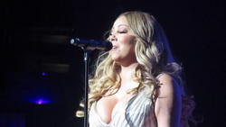 Hot Celebrity & Photoshoot Vids - Page 4 Th_641957123_mc_122_420lo