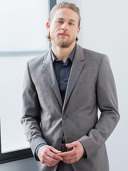 Celebrity Fan Forum - Discussion - Page 5 Charlie-hunnam-435