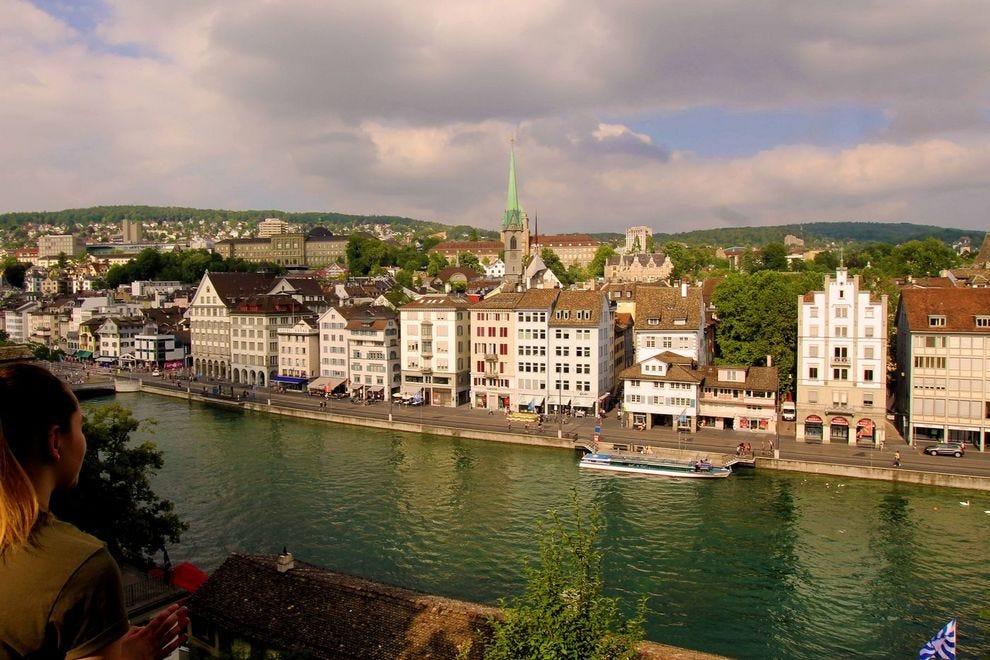 Švajcarska - Page 2 Switzerland--Zurich--View-from-the-Lindenhof_54_990x660