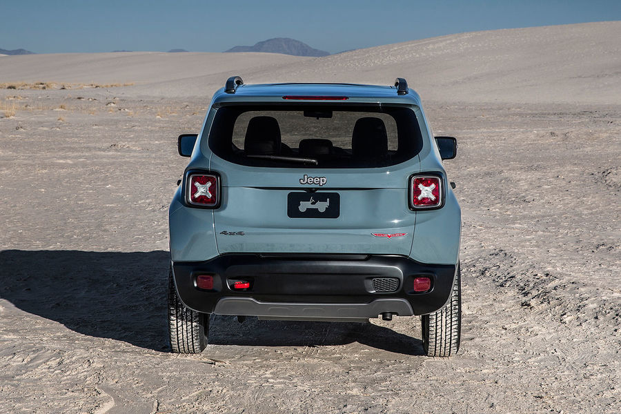 2014 - [Jeep] Renegade - Page 7 02-2014-Jeep-Renegade-Trailhawk-fotoshowBigImage-9ad180b4-757635