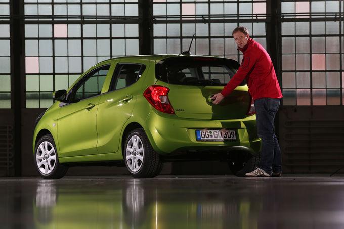 [2015] Opel KARL - Page 5 Opel-Karl-Sitzprobe-Kleinwagen-fotoshowImage-7b47e323-843791