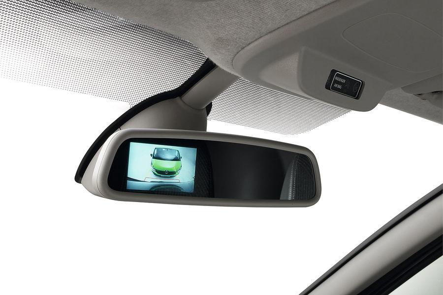 2014 [Renault/Opel/Fiat/Nissan] Trafic/Vivaro/Talento/NV300 - Page 6 Renault-Trafic-fotoshowBigImage-ee45149-771037