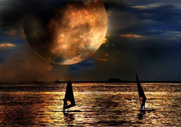 Manzara Resimleri... Denizde_ay_manzara_resmi