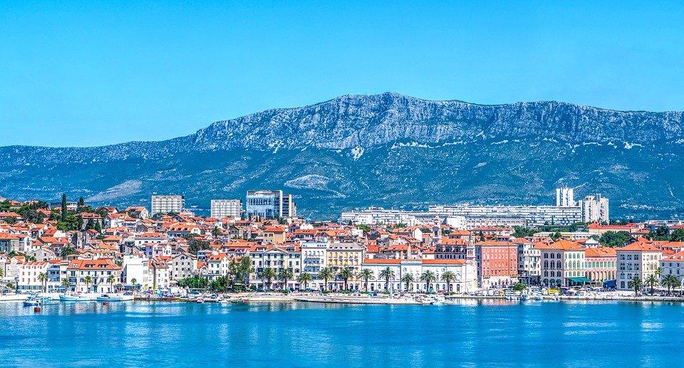 أماكن سياحية ساحرة أثناء السفر الى كرواتيا 717408112
