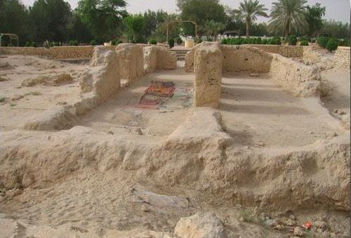 المسجد أقيمت به ثاني جمعة بالإسلام أخرج من تحت الأرض 1510345458
