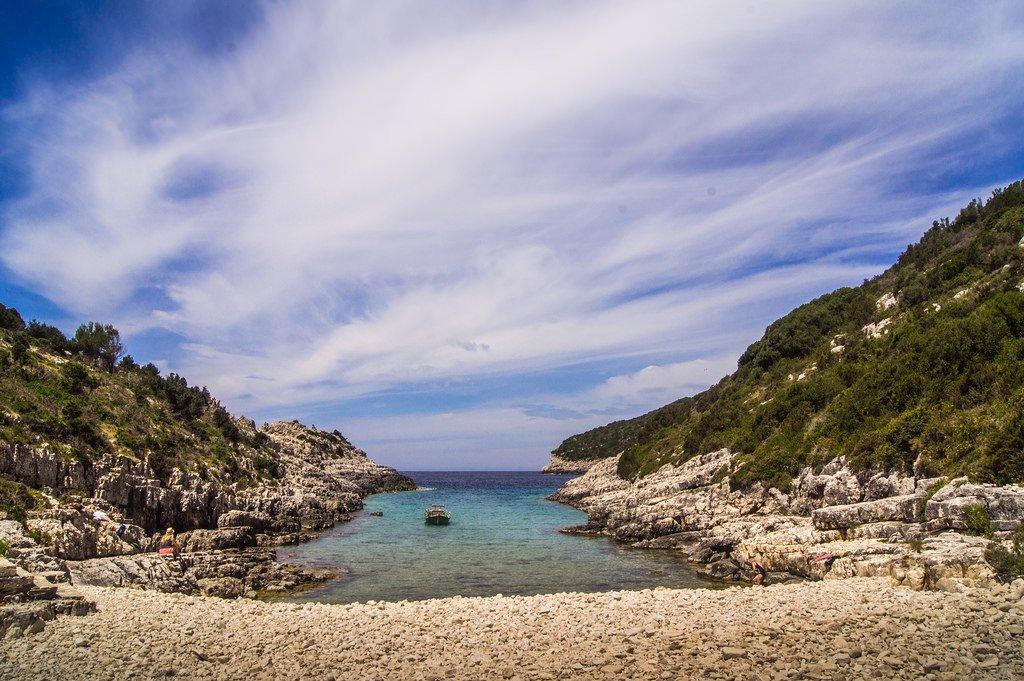 تعرفوا على باكسوس الجزيرة اليونانية الهادئة! 677711263