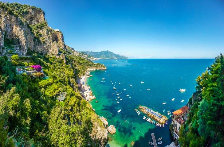 تعرفوا على جزيرة ايشيا الايطالية روعة في الجمال 1504480412