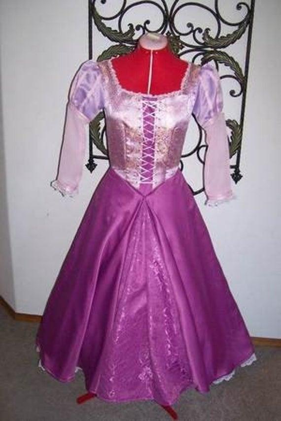 A quand les robes de princesse pour adulte ? ^^ Il_570xN.206028106