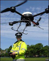 [UFO/LONDON OLYMPIC] A UFO'S HOVERING NEAR FIREWORKS Drone-surveillance-police-merseyside-angleterre_00CB00FA00073965