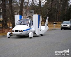 La voiture volante a pris son envol  Terrafugia-transition-3_00FA000001238171