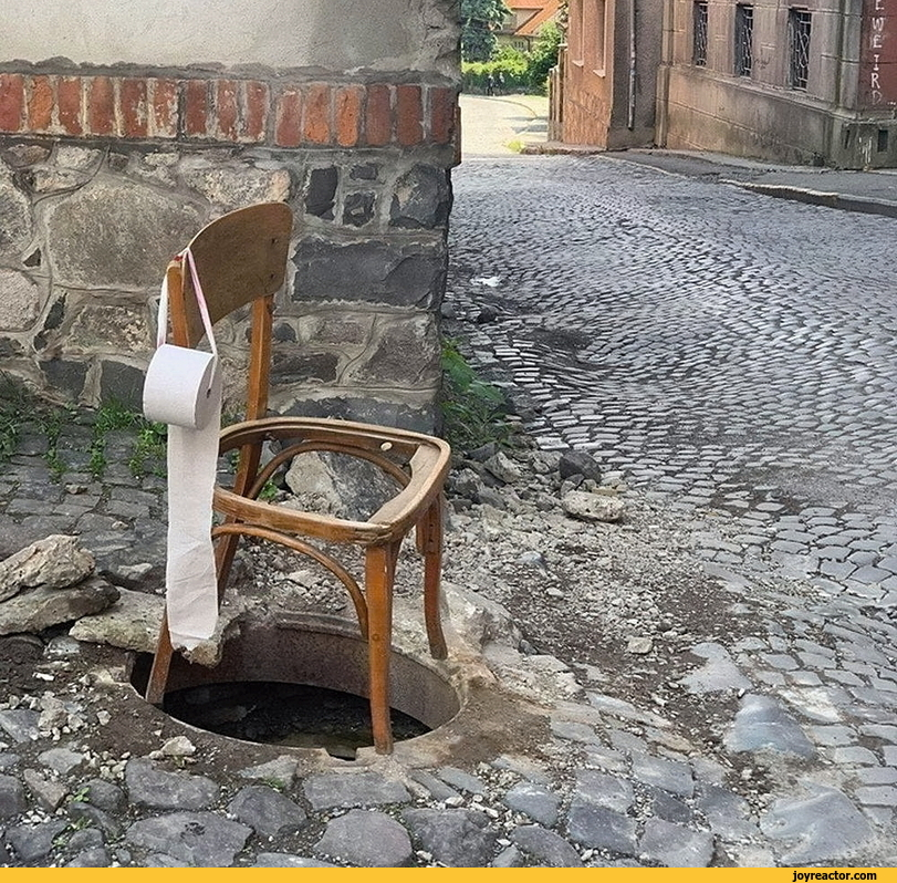 Zagreb vode debili - Page 5 Toilet-public-funny-picture-funny-6954342
