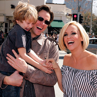 Celebrity couples - Page 2 031008_carrey_400X400