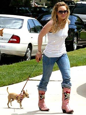 Хилари с кучетата си Hduff4