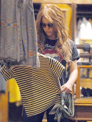 rockeras prêt-à-porter - Página 5 Jessica_simpsona_300x400