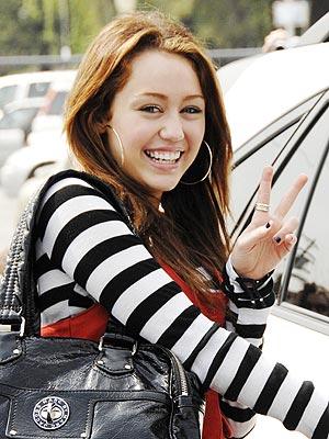 مايلي بلا ميك اب <-- وععع Miley_cyrus_300x400