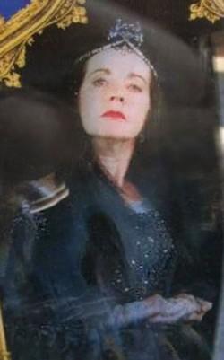 2da Clase: Historia de la Magia {Todos} 250px-Rowena_Ravenclaw_WWHP