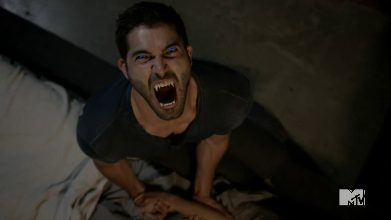 Advent street - Page 2 Teen_Wolf_Season_3_Episode_11_Alpha_Pact_Tyler_Hoechlin_Derek_Hale_Roar