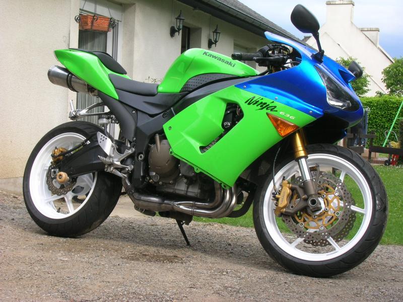 Voici ma moto dans sa nouvelle robe Dscn5245-421469