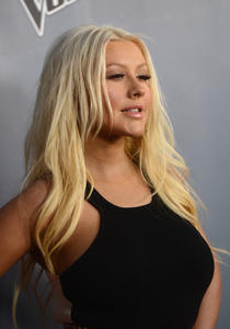[Fotos+Videos] Christina Aguilera en la Premier de la 4ta Temporada de The Voice 2013 - Página 4 Th_985742934_Christina_Aguilera_08_122_429lo