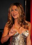 Jennifer Aniston - Minigonnissima & Cleavage/One -Women In Film Crystal And Lucy Awards- 12 giu 09 Th_78702_Jennifer_2125_122_433lo