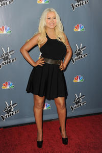 [Fotos+Videos] Christina Aguilera en la Premier de la 4ta Temporada de The Voice 2013 - Página 4 Th_985780827_Christina_Aguilera_16_122_552lo